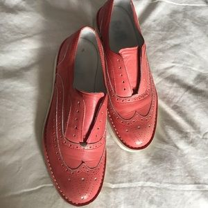 Platform wingtip oxfords